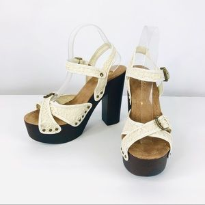 Candie's Size 8.5 M Ivory Fabric Block Heels